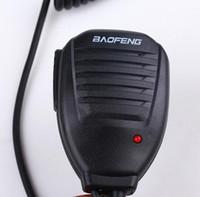 walkie baofeng uv 5ra al por mayor-Baofeng altavoz de mano portátil PTT portátil de color negro altavoz de radio bidireccional micrófono para walkie talkie Baofeng UV 5R 5RA 5RE 5R Plus