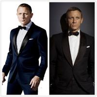 vêtements de marié achat en gros de-007 James Bond Tuxedos Groom Bleu Veste + Pantalon + Cravate Mode Homme Smokings Tuxedos Boyfriend Blazer Marié Vêtements Pour Hommes Discours