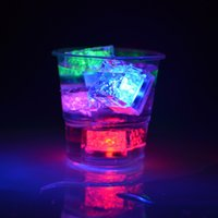 Led Party Lights Flash Ice Cube Água ativada Flash Led Light Coloque na água Bebida Flash Automaticamente para Party Wedding Bars Christmas