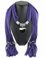 pañuelo negro corazón blanco al por mayor-Las bufandas de moda más nuevas de las mujeres de la manera barata embellecen las bufandas de las mujeres de las bufandas de las mujeres bufanda del collar del corazón de Blackwhite de China