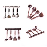 Compra Cucina Classica All'ingrosso-Wholesale- 5pcs Classic Toy1: 12 Doll House Miniature in metallo da cucina in bronzo Dollhouse modello Cook Set cucina classica forniture giocattoli