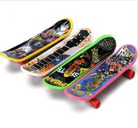 patineta para los dedos al por mayor-Niños mini Tech Deck Finger Skateboard plástico handboard Juguetes Kids Finger scooter mini dedos Skate Boarding Deucational niños dedo juguete