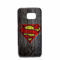 couverture en bois galaxy s5 achat en gros de-Coque Superman Logo Téléphone En Bois Couvre Coquille Étuis En Plastique Dur Pour Samsung Galaxy S4 S5 S6 S7 S7 bord S8 S8 Plus