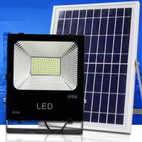 batería de energía solar 12v al por mayor-Luces de inundación solares al aire libre del LED 100W 50W 30W 70-85LM Lámparas impermeables IP65 Iluminación Reflector Panel de batería Potencia remoto Contorller China
