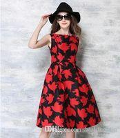 vestido de cóctel ajustado rojo al por mayor-2016 Summer Luxury Runway Design Dress Vintage Red Leaves Print Fit Flare Vestido de tanque de cintura alta Vestido de cóctel formal Vestido de fiesta