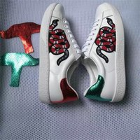 Wholesale Round Leather Lace - New White Leather Flats sneakers men women Classic Casual Shoes python tiger bee Flower Embroidered Cock Love sneakers SZ 36-44