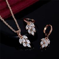 joyas de oro blanco 18k para mujer al por mayor-Nuevo conjunto de joyas de boda chapado en oro 18K blanco zirconia cúbico encantador collar de hojas pendientes para mujeres conjuntos de joyería nupcial