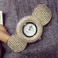 klasik elmas kuvars saat toptan satış-Zarif kadın rhinestone İzle moda çelik bayanlar İzle vintage kadınlar dresswatch kuvars Clastic lüks seramik elmas izle