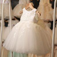 bebek tulle elbiseleri toptan satış-Yüksek Kalite Beyaz İlk Communion elbise Kız Tül Dantel Bebek Yürüyor Pageant Çiçek Kız Elbise Düğün ve Doğum Günü için