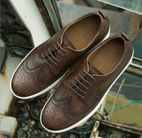 Wholesale Men Shoes Plate - New Men Genuine Leather Ying Lun Big head shoes Round Retro Business Nostalgic Cowhide shoes Low help Casual Plate shoes D259