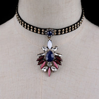 Sexy Women Cute Gothic Velvet Choker Necklace pour les femmes Fashion Colorful résine Floral Collar Collier en gros