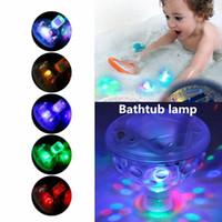 bebek ördek örtüsü yanıp sönüyor toptan satış-Sualtı LED Işık Gölet Yüzme Havuzu Babys Için Yüzen Lamba Ampul Çocuk Banyo