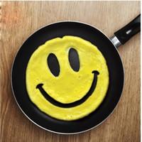 molde de cara sonriente al por mayor-Moldes de tortilla de silicona lindo Emoji sonrisa forma de la cara del huevo frito molde Resuable para la cocina casera moldes de panqueque moda 2 8xy B