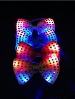 20pcs / lot Led Neck Tie Luminous MIXCOLOR Clignotant Homme / Femme Mode Bow Tie, mariage Party Dancing Stage Glowing Tie
