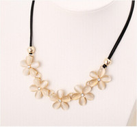 Wholesale Current Trends - Popular style in Europe and USA, Cat's eye stone, opal necklace;5 flowers, Very fashion and following the current trend, free shipping