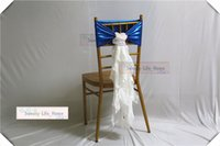 escadas de cadeira de spandex de azul royal venda por atacado-New desion gratuito o transporte real azul revestido Spandex Cadeira Sashes com chiffon branco Bandas cadeira metálica cauda para o casamento / festa / banquete