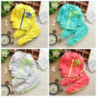 Wholesale Girls Clothes Suits 2pcs - Boys girls clover leaf letters Sports suits children 4 Color Long sleeve coat+trousers 2pcs set suit baby clothes B