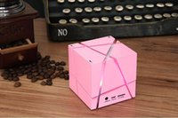 WHOLESALE Cool Magic Cube Bluetooth Mini Speaker Qone 7 Edge com luzes LED coloridas para celulares Iphone Android com caixa de varejo