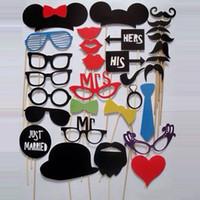 suportes de cabine de casamento venda por atacado-2016 Nova 31 pcs Engraçado Photo booth adereços com lábios bigodes óculos e varas de festa de casamento Decor Prop frete grátis