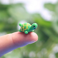 Wholesale artificial cute green tortoise animals fairy garden miniatures mini gnomes moss terrariums resin crafts figurines for garden decoration