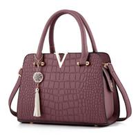 Wholesale dressing ladies hand bags online - Women Shoulder Bags Crocodile Pattern Clutch Hand Diagonal Female Packs PU Package Diagonal Lady Cross Body Packages Girl Tote Bag