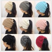 2018 Le donne calde di vendita delle donne Cappelli in lana invernali i cappelli  di Ponytail della cappella delle donne in inverno caldo hanno lavorato a ... 4eac8f58a489
