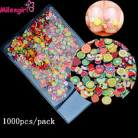 Mileegirl 1000pcs / Pack 3D Fimo Nail Art Decorations, Fruit Flowers Feather Design Tiny Polymer Clay DIY Аксессуары Nail Sticker