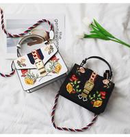 eski saçaklı çanta toptan satış-2017 çanta çanta kadın ünlü markalar Işlemeli çanta fringe crossbody omuz askısı çantası lüks tasarımcı deri üst-kolu çanta