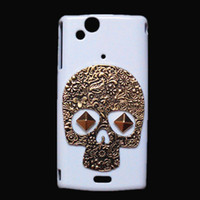 xperia arc back achat en gros de-Case Cover Retro Vintage Bronze Skull Skeleton Punk Stud Rivet Hard Back protection, peau blanche Mode pour Sony Ericsson Xperia Arc X12