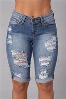 697acf038 Jeans rasgados hasta la rodilla para mujer 2016 Jeans punk calientes del  verano Pantalones cortos de mezclilla Jeans Taille Haute Sexy Jeans midi  cintura ...