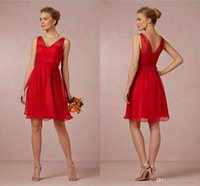 Wholesale Cheap Cocktail Dresses For Weddings - Cheap Short Red A Line Bridesmaid Dresses V Neck Chiffon Mini Cocktail Party Dresses Flowy Low Back Wedding Party Gowns For Gilrs