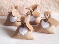 Wholesale white heart wedding candy bag with DIY kraft tag burlap pouch burlap sack Rustic jute bag for any party Decorations x14cm