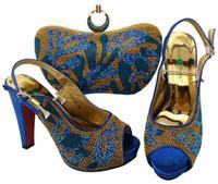 bombas de color azul damas al por mayor-Los zapatos africanos de color azul real combinan con el bolso de mano con bombas de strass y una bolsa para el vestido de dama BCH-29, tacón 12CM