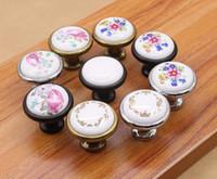 keramikknopfschublade zieht großhandel-Vintage Keramiklegierung Türgriffe Weiß Bronze DIY Home Küche Schuhschrank Schrank Kleiderschrank Knöpfe Schublade Schrank Locker Pull