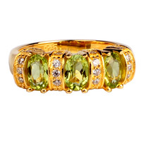 sterling yüzükler doğal taşlar toptan satış-3-stone Doğal Yeşil Peridot Sarı Altın Kaplama ile 925 Ayar Gümüş Yüzük Kadınlar 4x6mm Oval Kristal Ağustos Birthstone Hediye R091