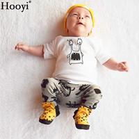 camisetas blancas apretadas al por mayor-Hooyi Fashion Baby Boys Clothing Set camiseta blanca + pantalón largo traje de algodón ropa de niños Trajes trajes Chándales camiseta bragas medias
