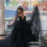 Wholesale Gothic Veil - Vogue Long 3M Black Gothic Wedding Bridal Veils For Women 2018 One Layer Soft Tulle Cut Edge Photostudio Party Gowns