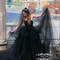 ingrosso velati da sposa-Vogue Long 3M Nero Gotico Veli da sposa per le donne 2018 One strato morbido Tulle Cut Edge Photostudio Abiti da festa