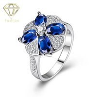 Anéis Tanzanite Platinum Plated Clover Shaped Rings com Paved Blue Crystal Cubic Zirconia Fashion Jewelry for Women