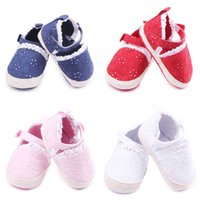 Wholesale Fancy Flower Design - New Fashion Lace Design Baby Girls Shoes Hook&loop Band Fancy Newborn Soft Cotton Fabric Upper with Flower Embroidery Soft Sole