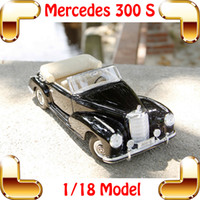 Wholesale Maisto 12 - New Year Gift Maisto 300S 1:18 Model Metal Vehicle Car Collection Toys Alloy Material Lifelike Model Luxury Cars Shock Resistant