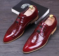 Wholesale Classic Leather Mens Shoes Oxford - Mens Dress Shoes 2016 DYANMIC Men's Pointed Toe Classic Fashion Black red Business Oxford Shoes Comfortable Shoes NXX371