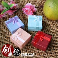 caixas de jóias rosa roxo venda por atacado-Top caixa de jóias de moda caixa de presente custódia azul rosa vermelho roxo cor 4 cm * 4 cm