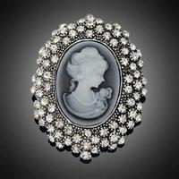 modeschmuck königin großhandel-Mode Antikes Silber Überzogene Vintage Brosche Pins Weibliche Marke Schmuck Königin Broschen Strass Für Frauen Weihnachtsgeschenk DHH093