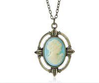 gemi tarzı kolye ışıkları toptan satış-Ücretsiz kargo Yeni Vintage Stil Bronz Açık Mavi Cameo Kolye Kadınlar için Vampire Diaries Katherine Güzellik Kafa Kolye Kolye