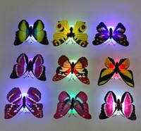 ingrosso lampada a luce casuale-Bello colore creativo che cambia le luci notturne della parete della farfalla dell'ABS LED della lampada Belle luci notturne decorative domestiche della parete 10PCS