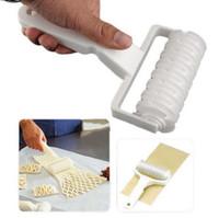 kafes kesme makinesi toptan satış-Pişirme Kafes Rulo Pasta Pizza Çerez Kesici Pasta Araçları Bakeware Kabartma Hamur Rulo Kafes Zanaat Mutfak Araçları OOA3710