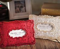 kırmızı zarf davetiyeleri toptan satış-Düğün Davetiyeleri Kartları Özelleştirilmiş Düğün Davetiyesi Kartları Altın Kırmızı Renkler Davetiyeler Düğün Kartları Davetiye Zarf ve Mühür