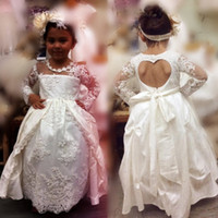 vestido em forma de coração de renda venda por atacado-Lace mangas compridas Flower Girl Dresses com mangas compridas Heart-Shaped Backless Girls Pageant Vestidos Overskirts Baby Birthday Party Dress