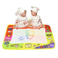 волшебные каракули оптовых-Детские игрушки для рисования Aqua Doodle Mat Magic Pen Обучающие игрушки 1 Mat + 2 Pen Для детских игрушек Mat Magic 45.5 x 29 см